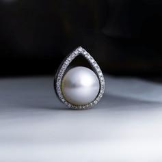 珍珠  18K白南洋珠鑽戒
