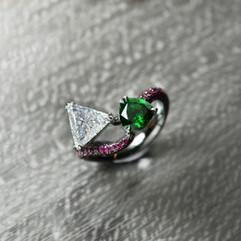 鑽石  18K灰金三角鑽 沙弗石戒指