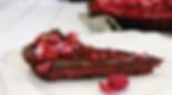 čokoládovo-malinový tart, vegánskz čokoládový koláč, vegánsky zákusok, zdravý vegánsky zákusok, čokoládový koláč, vegánsky tart, čokoládový koláč s ovocím, ovocný tart, tart s malinami, malinový koláč, jahodový kolč