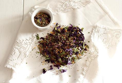 domáci čaj, bylinkový čaj, čaj z domácich byliniek, bylinný čaj, čaj z domácich bylín, medovkový čaj, sušená medovka, nechtíkový čaj, nechtík, slez, čaj zo slezu, mätový čaj, mäta, homemade tea, minth tea