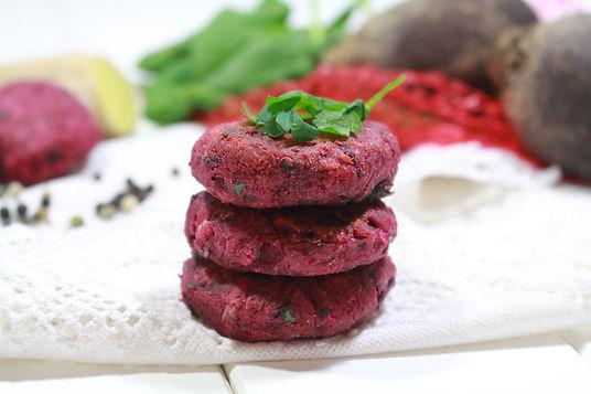falafel, cvikloý falafel, falafel s červenou repou