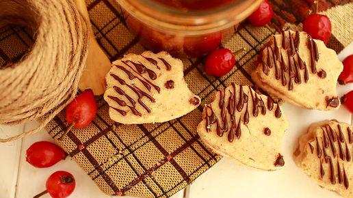 orechové koláčiky, šípkový džem, sladké, orechové sladkosti, orechy, mleté orechy