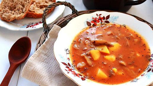 oyster mushroom stew, hlivový guláš, vegetariánsky guláš, guláš, hliva, hríbový guláš,