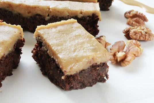orechové rezy, žĺtkové rezy, dezert s tahini, tahini koláčik, vegánske rezy,