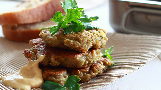 vegetariánsky burger, vegánsky burger, šošovicové karbonátky, šošovicové fašírky, ššovicový burger, zdravé fašírky, bezlepkové fašírky, vegan burger, vegetarian lentil burger