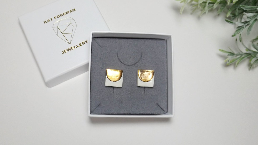 'Lucky' studs - Square with 'U'.