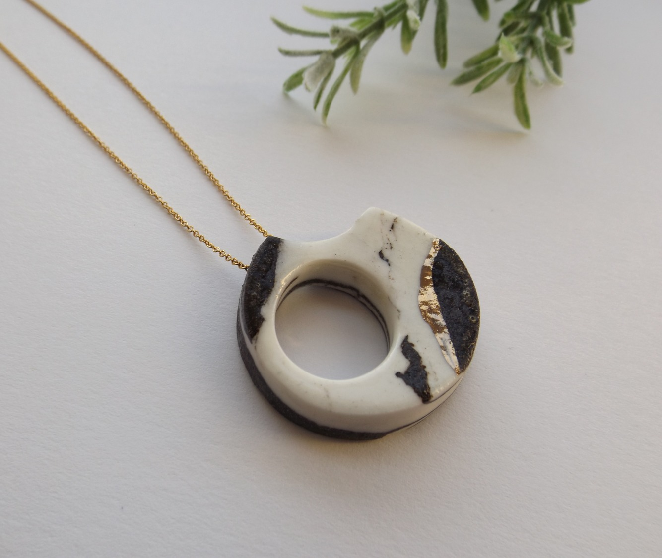 'Abstract' necklace from the Black & White collection.
