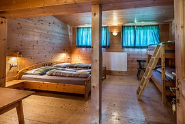 4-Bett-Zimmer.JPG