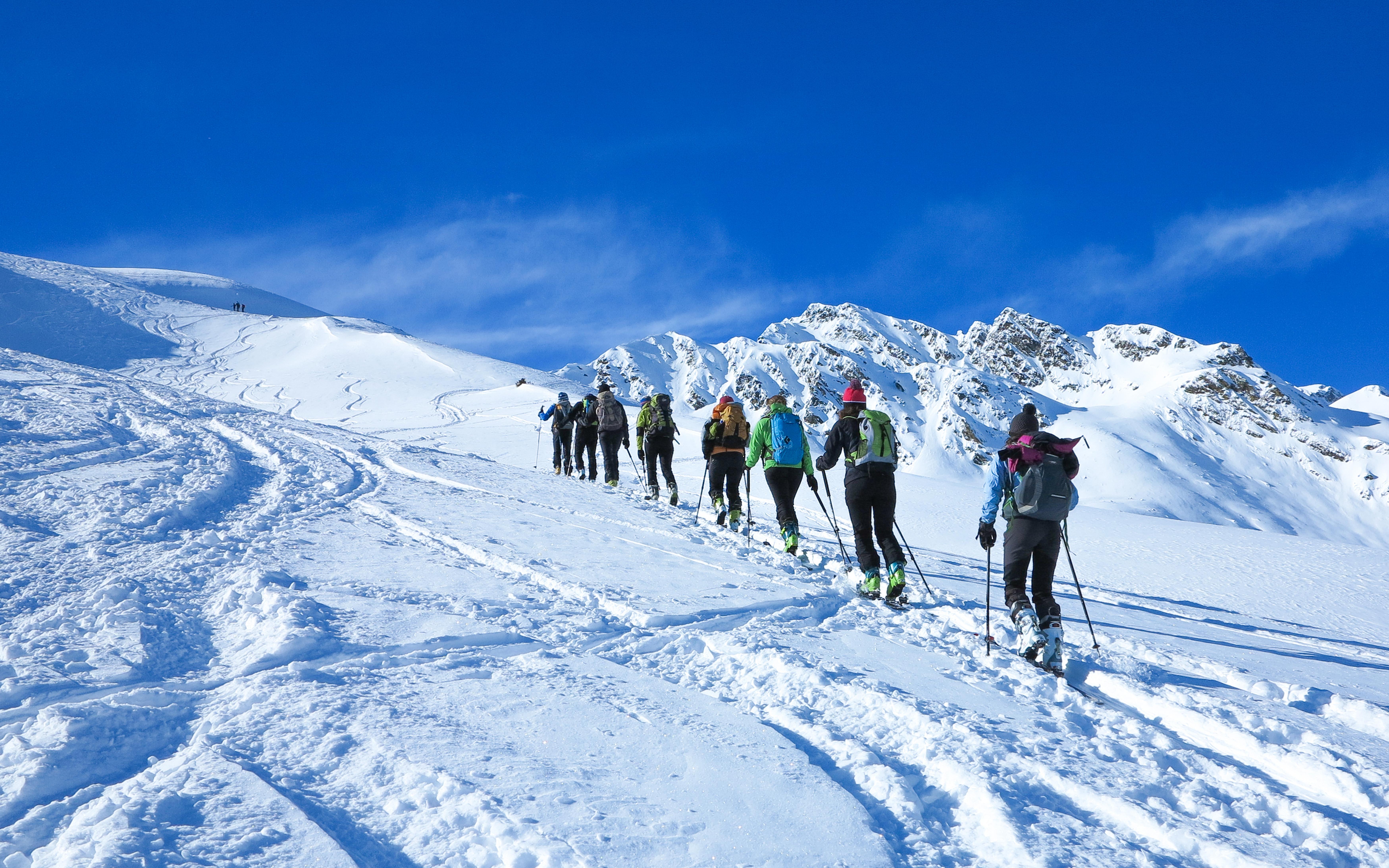 Skitour_shutterstock_528357601