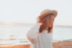 selective-focus-photography-of-woman-hol