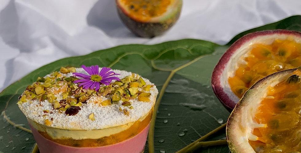 Tropic cupcakes ( Passion fruit & raspberry)