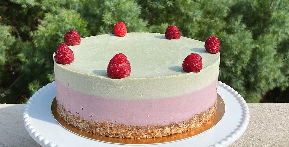 Raspberry-matcha cashewcake