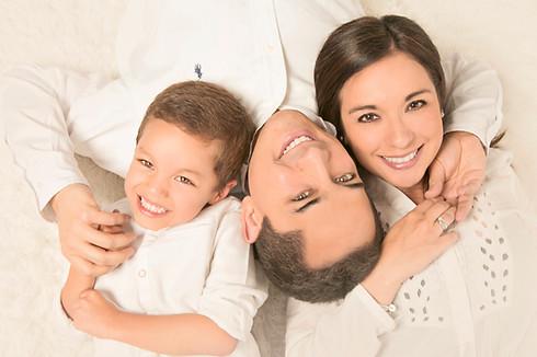 fotografias familias bogota marisol castano studio109 familystudio  familiar43.JPG