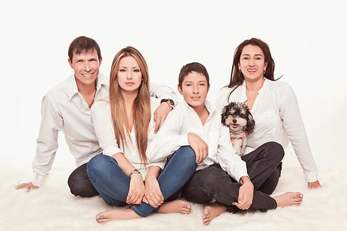 fotografias familias bogota marisol castano studio109 familystudio  familiar27.JPG