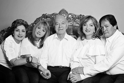 fotografias familias bogota marisol castano studio109 familystudio  familiar12.JPG