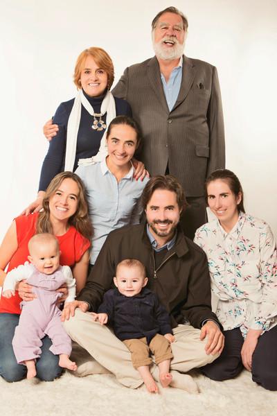 fotografias familias bogota marisol castano studio109 familystudio  familiar18.JPG