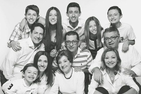 fotografias familias bogota marisol castano studio109 familystudio  familiar40.JPG