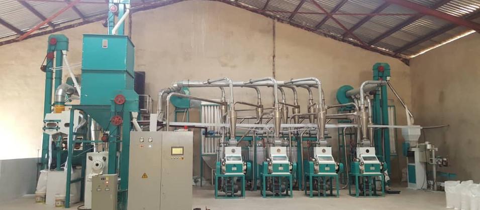 Hongdefa Brand 30tpd maize flour mill plant in Nigeria.