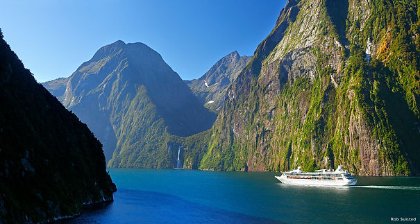 Milford Sounds cruise.jpg