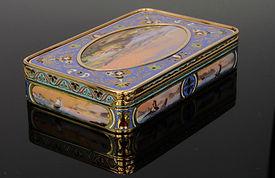 gold snuff box.JPG