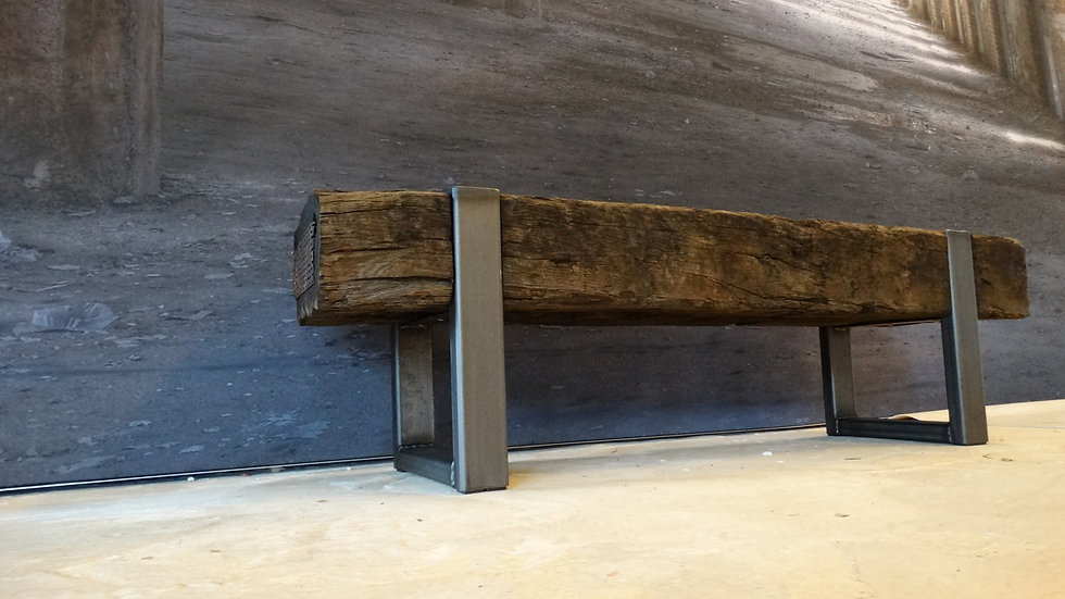 Oud eiken bielzen meubel