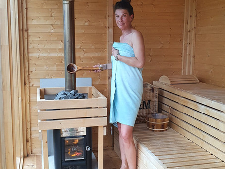Saunas & cold water swimming are so good for you and both relaxing & invigorating!