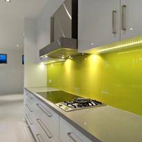 Revestimento da área úmida da cozinha com vidro amarelo