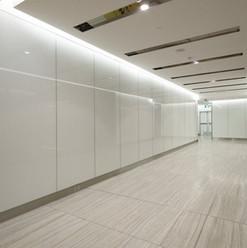 Revestimento de parede com vidro branco