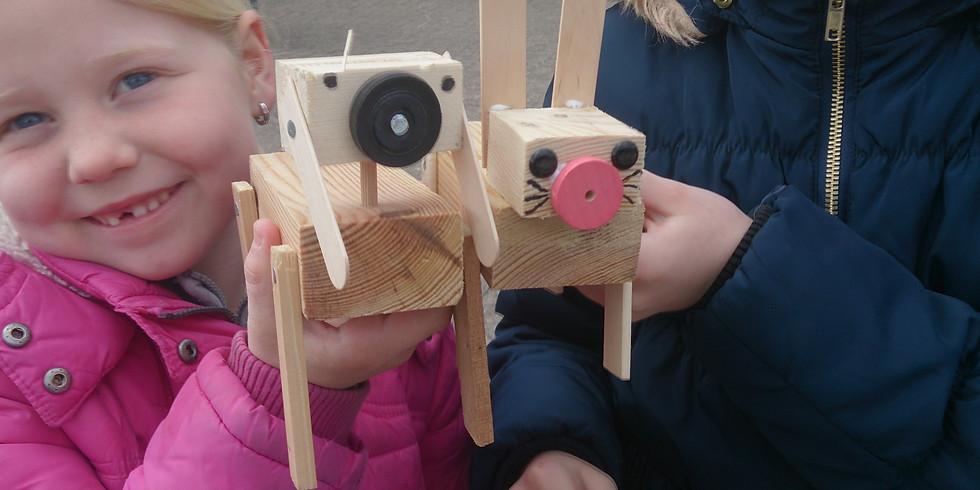 Workshop Vakantiepas met hout spijkers en fantasie.