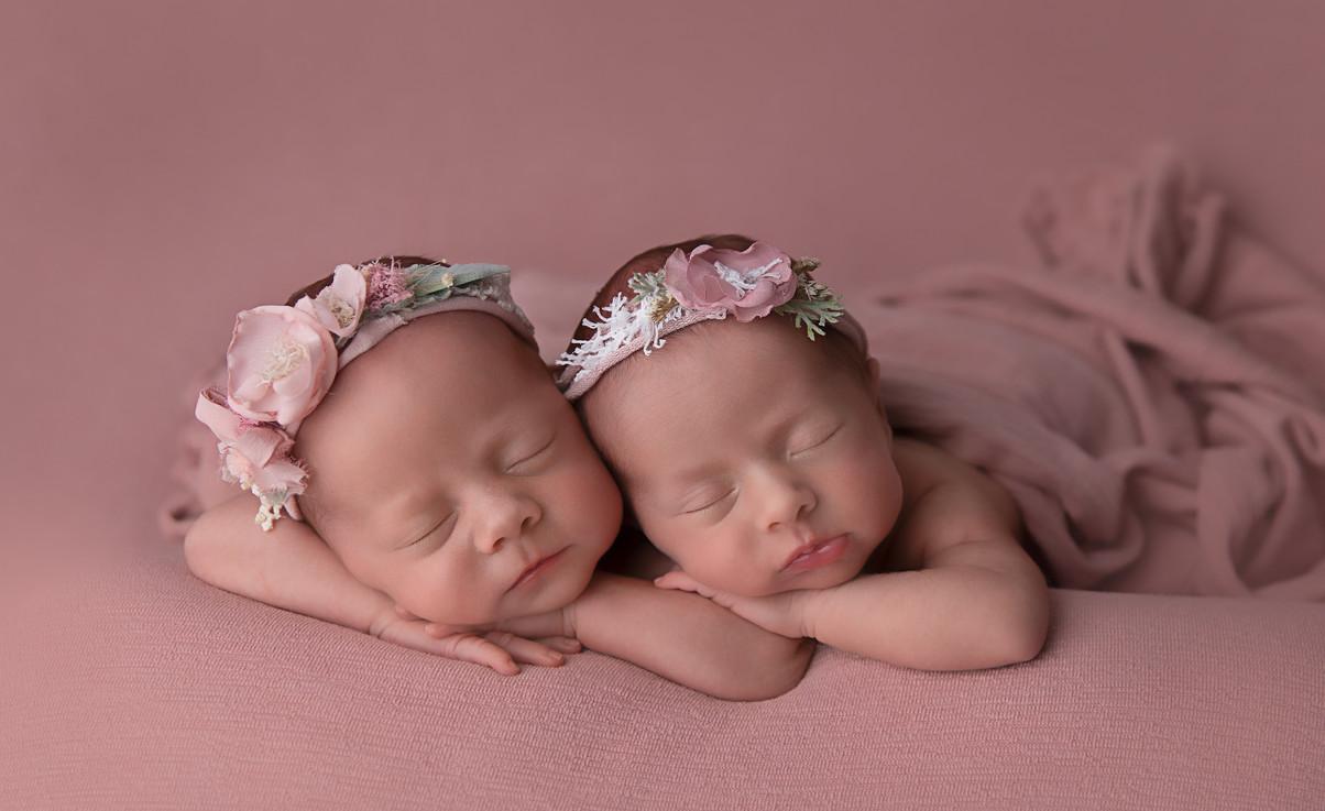 Sydney Twins and newborn baby photographer