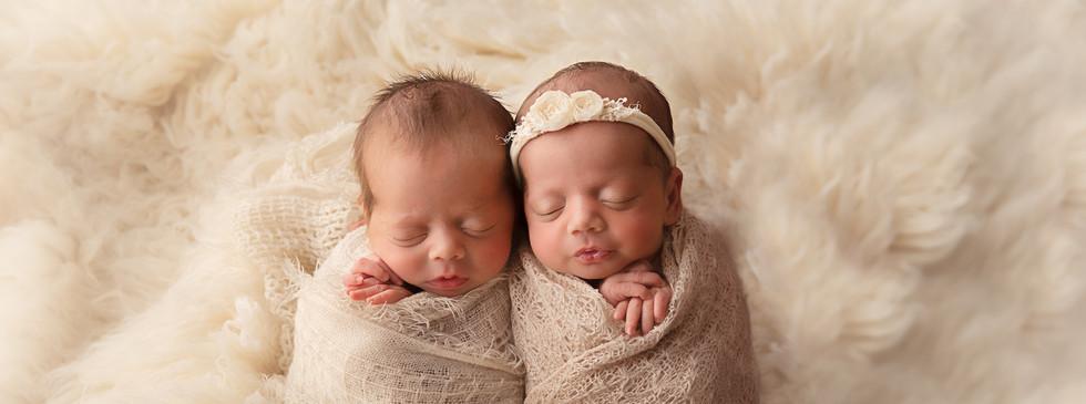 Hills District Newborn Twin Photographer