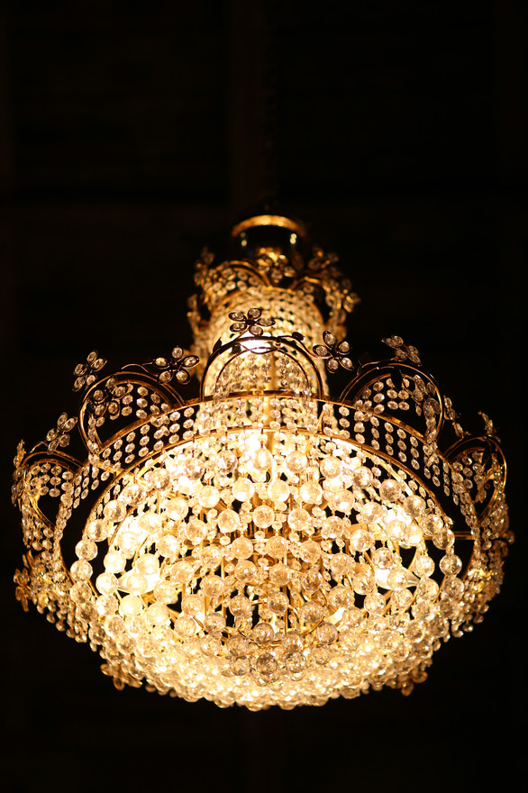 Chandelier at Red Barn Events Center