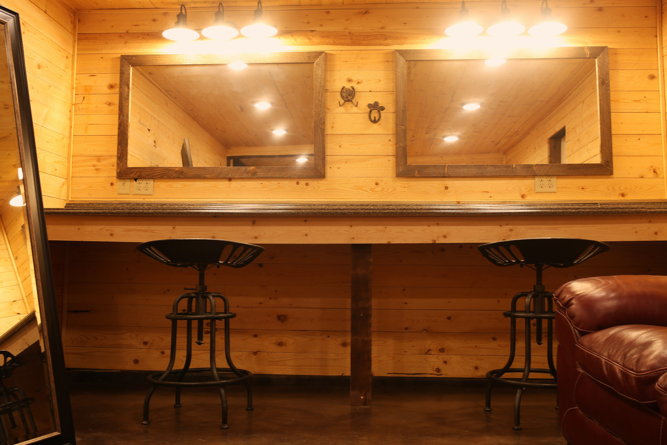 Brides Dressing Room at Red Barn Events Center