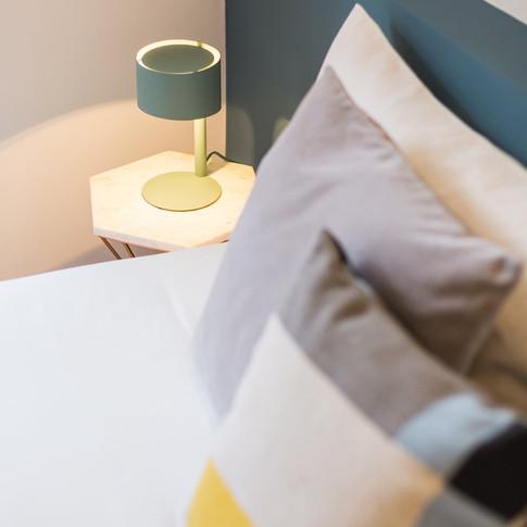 Pormenor decorativo da cama