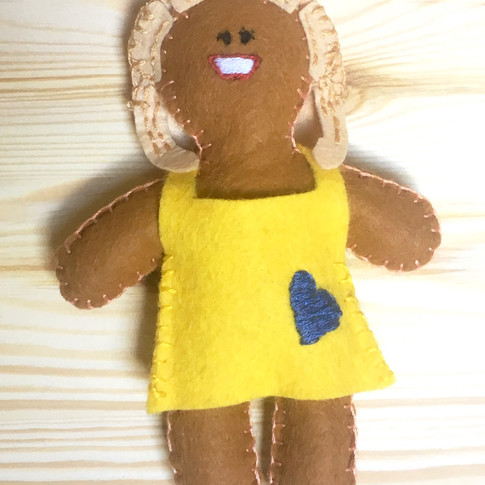 Kylie hand on your heart Gingerbread