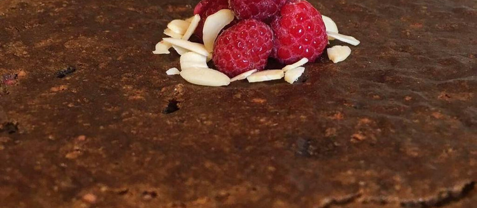 Almond, maple and raspberry cake (gluten free and vegan)