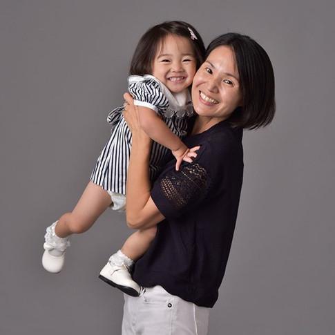 ママと一緒だと_笑顔1000%シリーズ_記念すべき1枚目。__どんな時でもママが