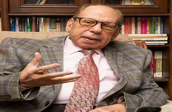 د. صلاح فضل رئيساً لمجمع اللغة العربية