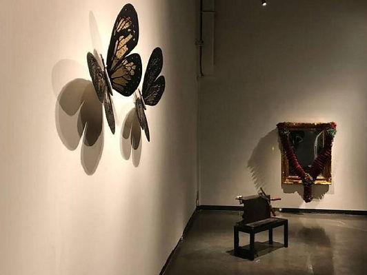 معرض فني يتناول أثر التكنولوجيا على البشر