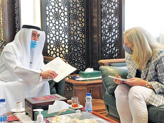 كامل العبدالجليل والسفيرة الأميركية ناقشا التعاون في الفنون وحقوق المؤلف