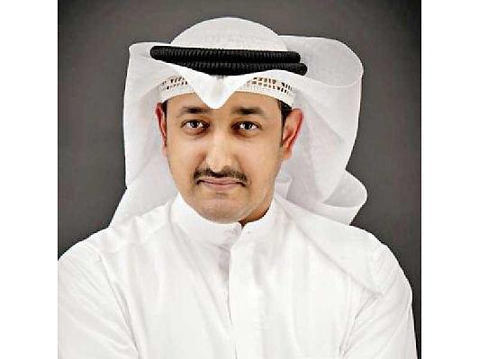سعد الأحمد أحيا أمسية شعرية بمعرض الكتاب المصغر
