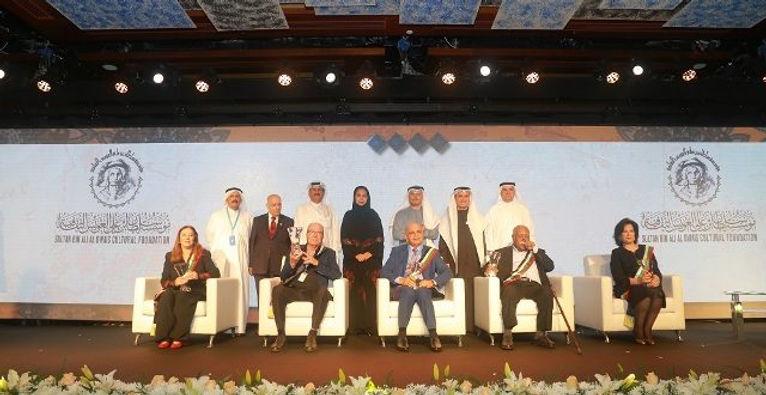 """""""العويس الثقافية"""" تختتم أنشطة العام 2019 بحفل كبير تكرم فيه الفائزين"""
