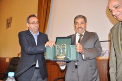 تكريم رئيس المؤسسة في جامعة فاس