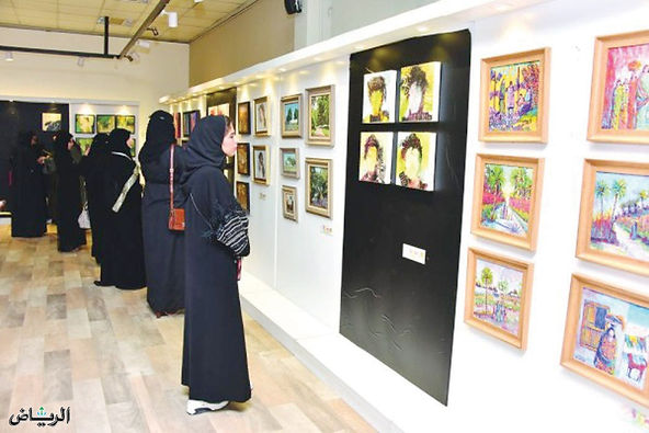 معرض «30 في 30» يستقبل 1260 عملًا فنيًا