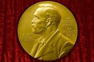 """جائزة """"نوبل"""" الأدبية تتراجع عن قرارها وتُعلن الفائزين لعامي 2018 – 2019"""