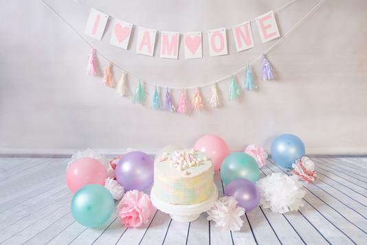 CakeSmash-Torte-Luftballons.jpg