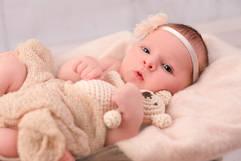 Neugeborenen Fotografie Stofftier.jpg