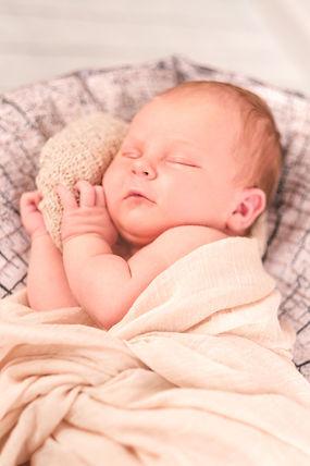 Neugeborenenfotoshooting Baby-Fotografie