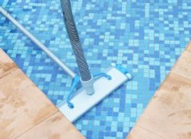 Swimming Pool Vacuuming