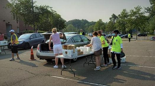 POD19, CERT Girls loading cars.jpg